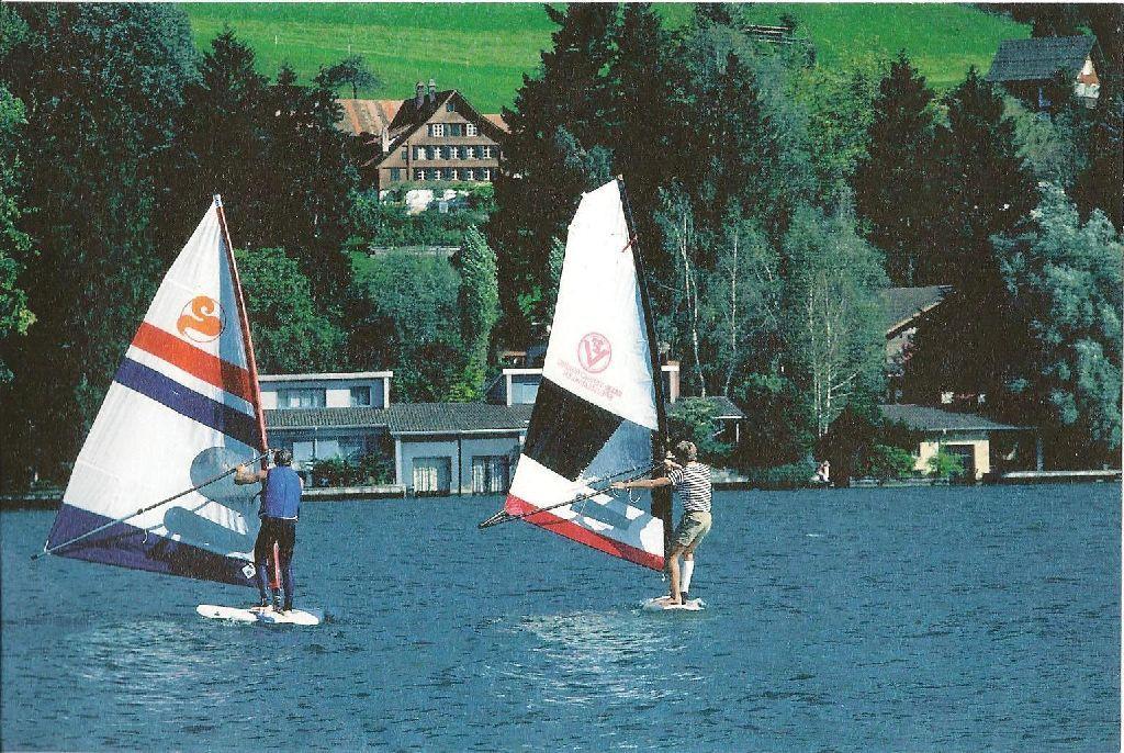 1982 mit Gipsbein